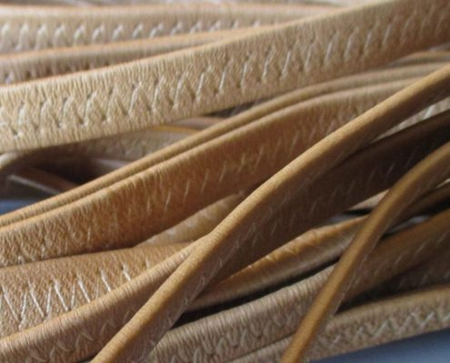 Elastic bands covered with leather
