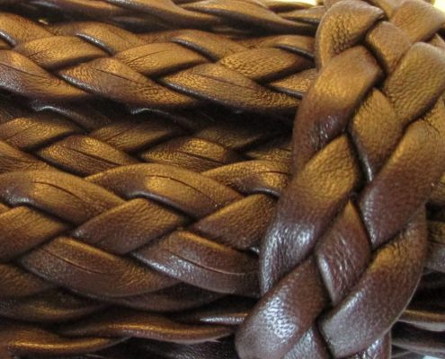 Leather flat braids in leather